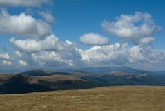 carpathian bergsikt Arkivfoton