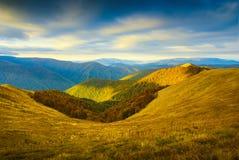 Carpathian höst mountains_2 Arkivbild
