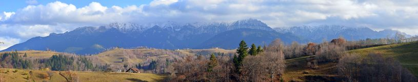 Carpathians berg royaltyfria bilder