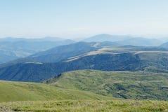 carpathians berglandskap Arkivbilder