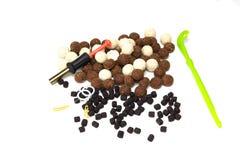 Carpe de pêche, amorce pour, granules, poissons, outils et accessoires Images libres de droits