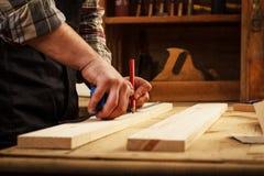carpenter elderly working Royaltyfri Bild