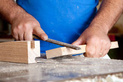 Carpentiere sul lavoro Immagini Stock
