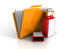 Carpeta anaranjada de la oficina con memoria USB roja Fotos de archivo