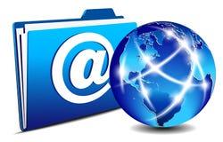 Carpeta del email y mundo del Internet de la comunicación Imagen de archivo libre de regalías