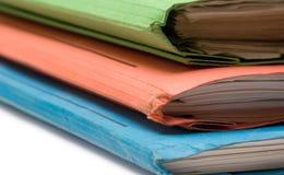 Carpetas coloridas (opinión de parte delantera) Fotos de archivo libres de regalías
