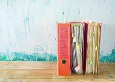 Carpetas de archivos sucias Imagen de archivo