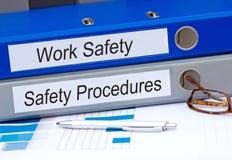 Carpetas de la seguridad del trabajo y de los procedimientos de seguridad Imagen de archivo