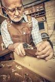 Carpinteiro com handplaner Foto de Stock Royalty Free