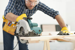 Carpinteiro no trabalho Imagem de Stock
