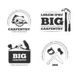 Carpintería, etiquetas del vector del taller, logotipos, insignias y emblemas con las herramientas de la carpintería stock de ilustración