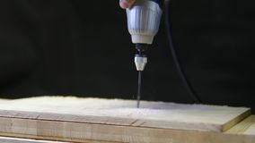 Carpintero Drills For Wood almacen de metraje de vídeo