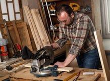Carpintero en su taller Fotografía de archivo libre de regalías