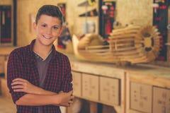 Carpintero joven hermoso Imagen de archivo libre de regalías