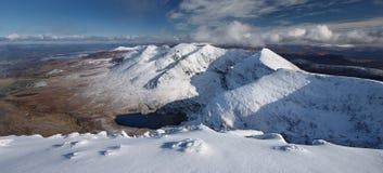 Carrantoohil a couvert de neige Image libre de droits