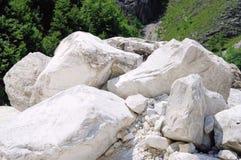Carrara-Marmorsteingrube Lizenzfreie Stockbilder
