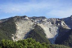 Carrara, weiße Marmorsteinbrüche Stockbild
