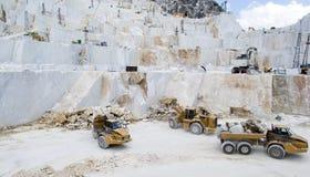 Carraran-Marmorsteinbruch Stockfotos