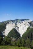 CARRARE - Carrières de marbre blanches Image stock