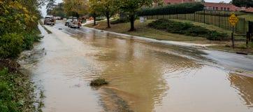 Carrboro, NC, E.U. 5 de novembro de 2018: Bombeiros e autoridade de água fotos de stock
