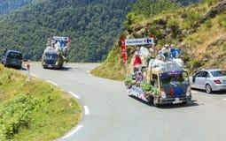 Carrefour Caravan in de Bergen van de Pyreneeën - Ronde van Frankrijk 2015 Royalty-vrije Stock Afbeelding