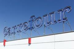 Carrefour se connectent une façade Images libres de droits