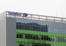 Carrefourbyggnad, i Bucharest, Rumänien Arkivbilder