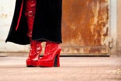 Carregadores vermelhos Kinky do látex foto de stock royalty free
