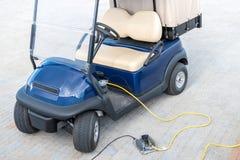 Carregamento bonde dos carrinhos de golfe fotos de stock royalty free