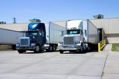 Carregamento dos caminhões Fotos de Stock Royalty Free