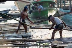 Carregando os eixos de bambu Imagem de Stock Royalty Free