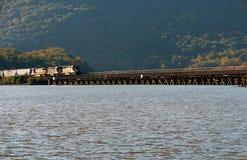 Carregue a ponte da montanha no vale de Hudson, NY Fotos de Stock Royalty Free
