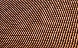 Carrelage rouge de toit Photo stock