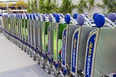 Carrelli del bagaglio dell'aeroporto di Melbourne Fotografia Stock