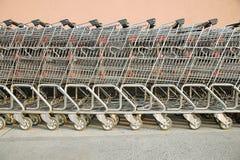 Carrelli di acquisto in una fila Immagine Stock Libera da Diritti