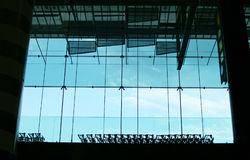 Carrelli e finestra dei bagagli Fotografie Stock
