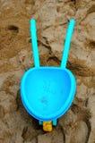 Carrello blu del giocattolo Fotografia Stock