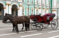 Carrello con i cavalli Immagine Stock