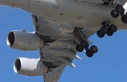 A carrello d'atterraggio abbassato Immagini Stock Libere da Diritti