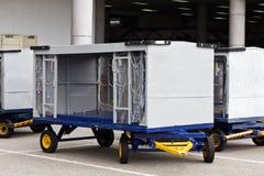 Carrello del bagaglio dell'aeroporto Fotografie Stock Libere da Diritti