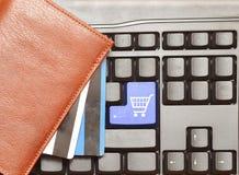 Carrello di acquisto del tasto del calcolatore della tastiera Fotografie Stock