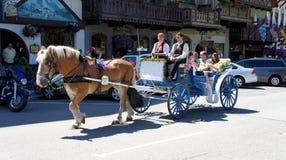 Carrello in Leavenworth, Washington del cavallo fotografie stock