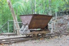Carrello utilizzato nella costruzione della seconda guerra mondiale delle ferrovie Immagine Stock