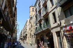 Carrer de Ferrance, Barcelona gammal stad, Spanien Royaltyfri Fotografi