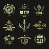Carreras de coches e insignias y logotipo del servicio Imagen de archivo