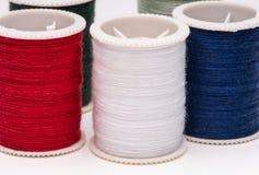 Carretéis coloridos da corda no fundo branco. Imagens de Stock Royalty Free