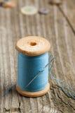 Carrete de la cuerda de rosca y de la aguja Imagen de archivo