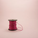 Carretel de couro cor-de-rosa da corda (#1) Fotografia de Stock Royalty Free