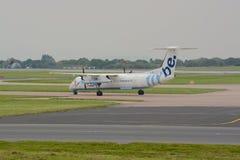 Carreteo de los aviones de Flybe Imagen de archivo libre de regalías