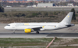 Carreteo de Vueling Airbus A320 Imagenes de archivo